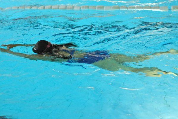 Schwimmen für ältere Kinder / Jugendliche! Kinder unter 10 Jahren mit Eltern!